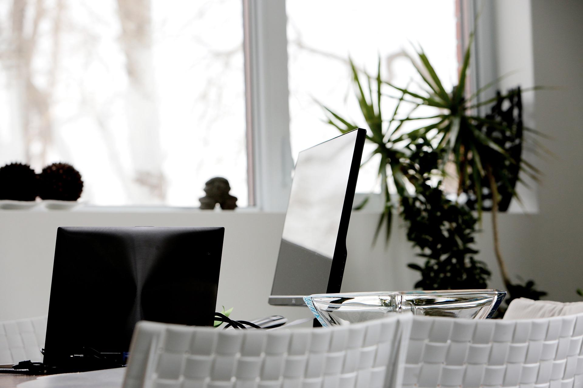 Adaptez la décoration de vos bureaux à votre image de marque