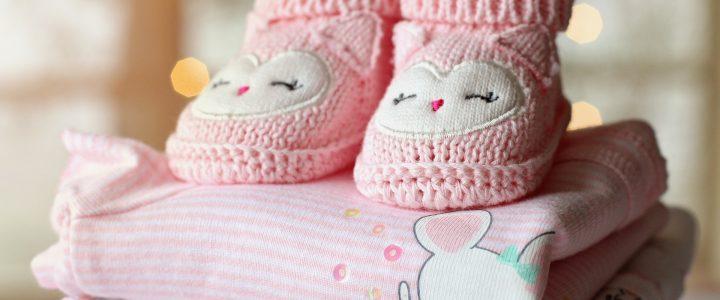 Quels cadeaux offrir pour la naissance d'une petite fille ?